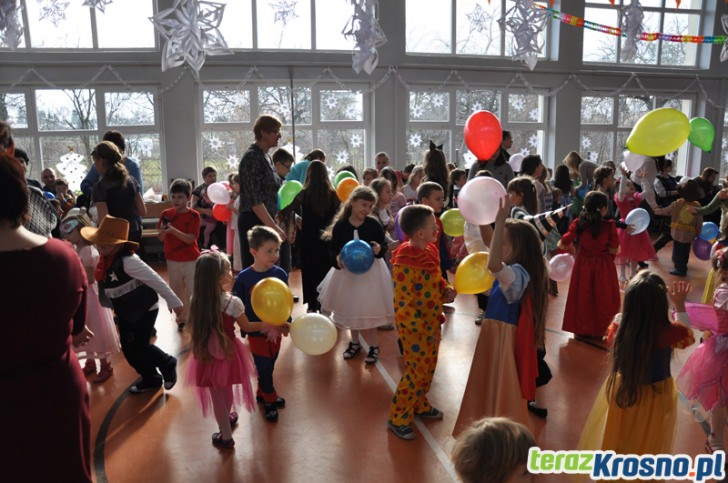 Zabawa choinkowa w SP w Świerzowej Polskiej