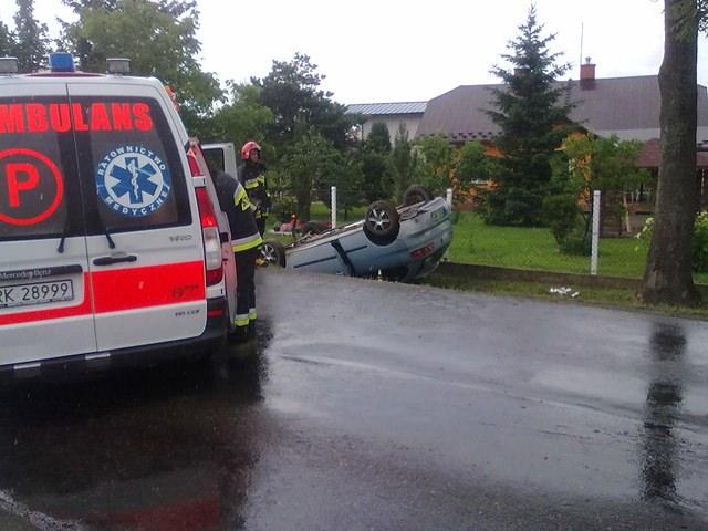 Zderzenie busa z osobówka w Świerzowej Polskiej