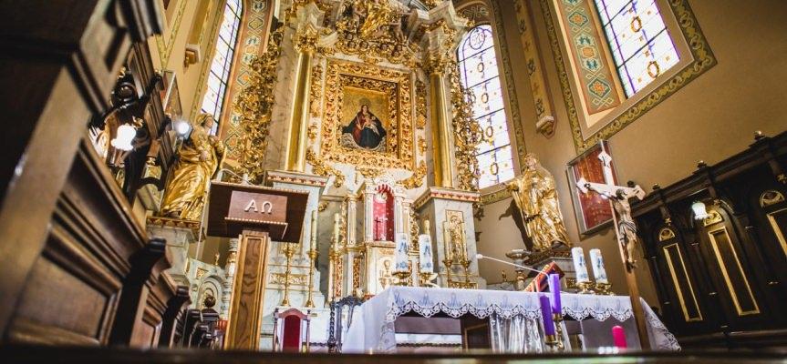 Msza Święta z kościoła parafialnego pw. Stanisława Biskupa Męczennika w Zręcinie